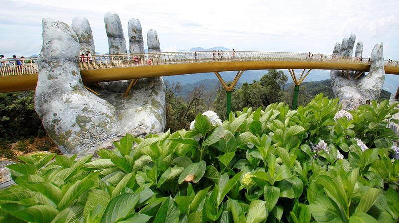 Cầu Vàng – Điểm du lịch phải ghé khi đến Việt Nam
