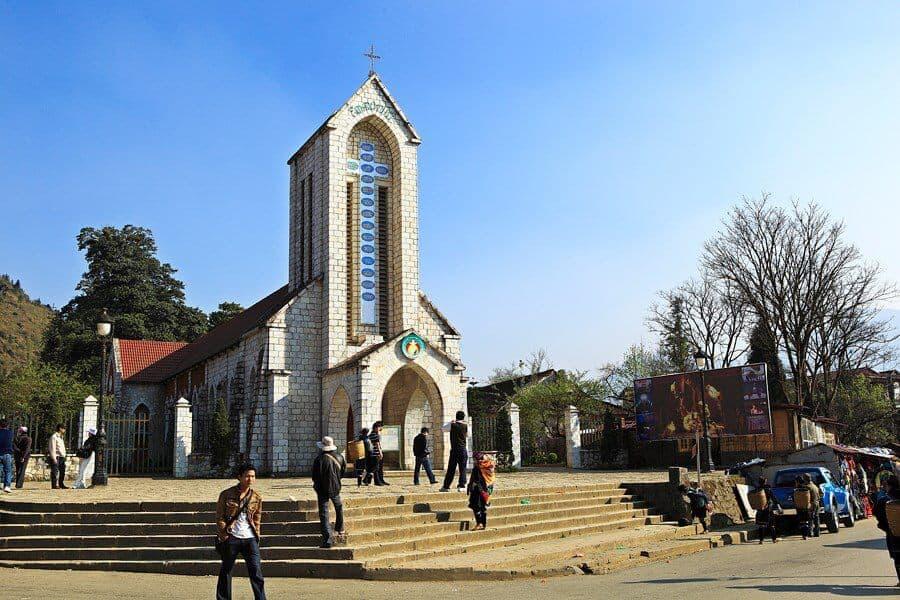 Nhà thờ đá SaPa – Biểu tượng của thành phố sương mù