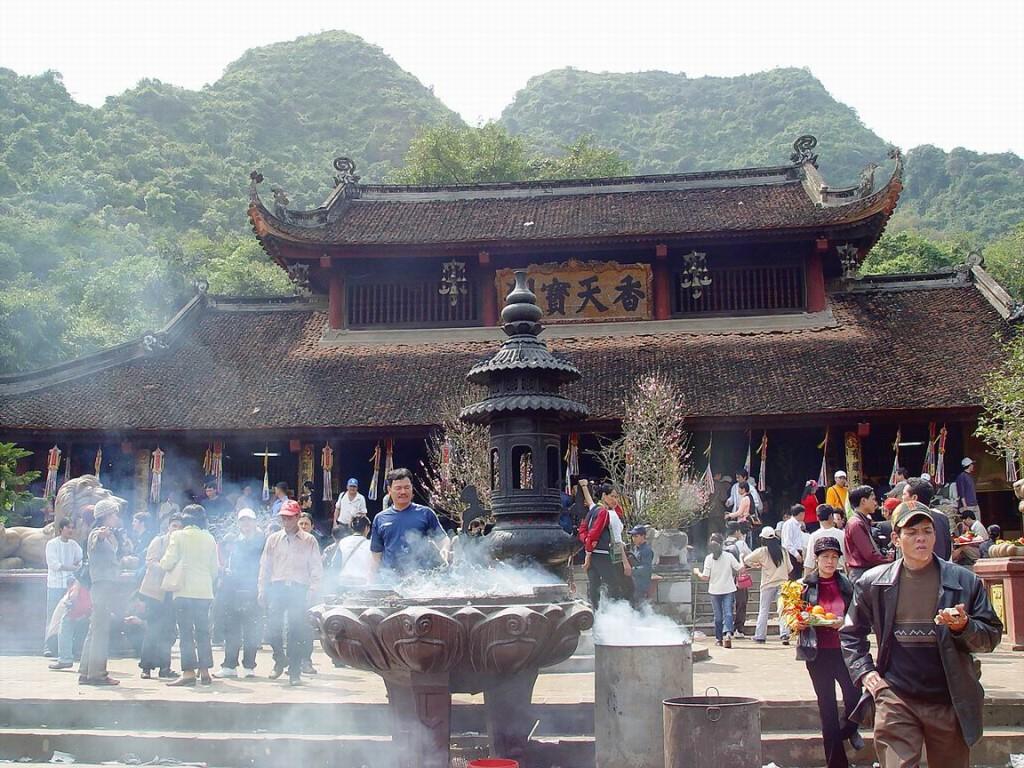Top 5 ngôi chùa nổi tiếng nhất Việt Nam