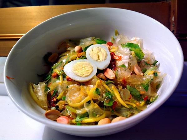 Top 5 món ăn dưới 10.000đ tại Sài Gòn
