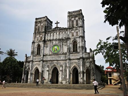 Nhà thờ MẰNG LĂNG không chỉ ĐỘC mà còn CHẤT tại xứ nẫu