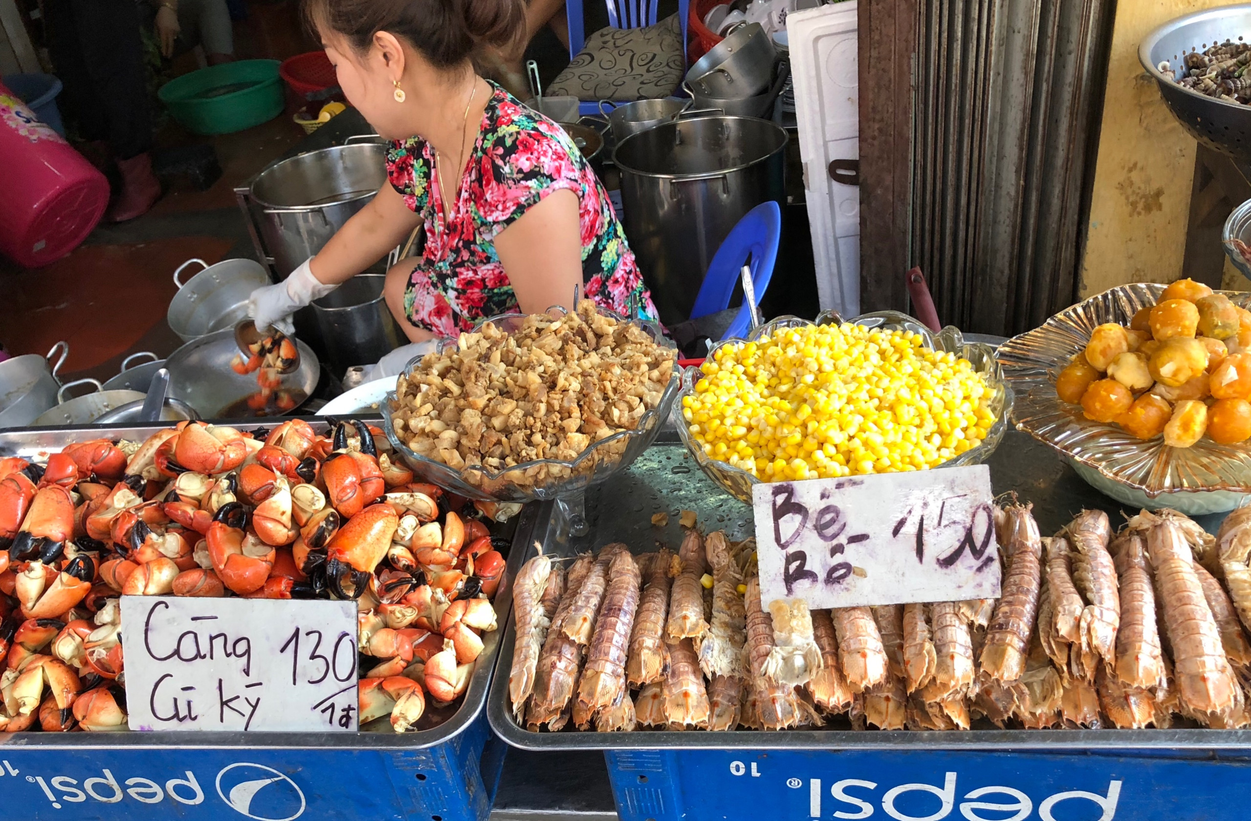 street-food-in-Vietnam