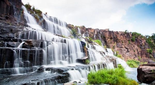 Khám phá thác nước 7 tầng tuyệt đẹp ở Đà Lạt