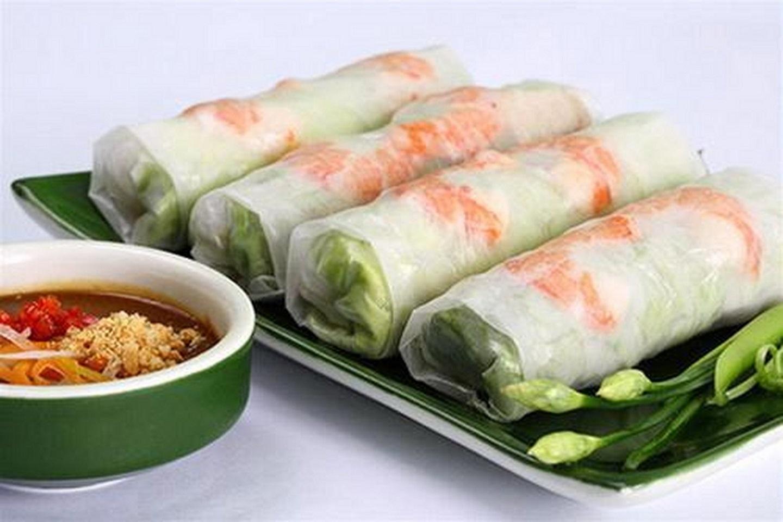 The-stunning-spring-rolls