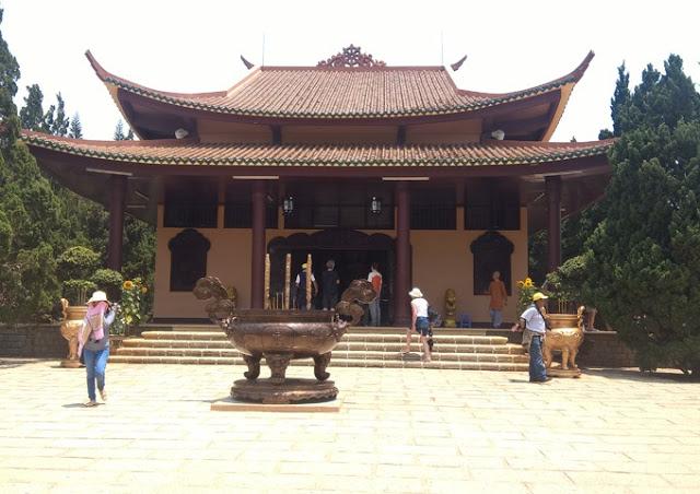 Chua-Truc-Lam