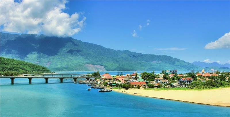 TOP địa điểm du lịch ở Huế bạn nên ghé một lần